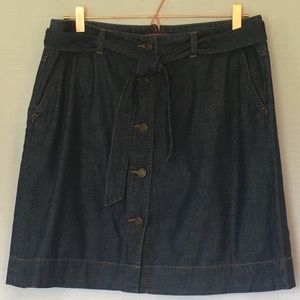 Tommy Hilfiger jean skirt with buttons and belt